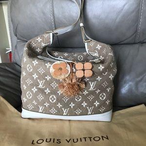 🎉Louis Vuitton Shoulder Bag🎉🎊🎉🎊🎉🎊🎉😮🌸💕🌺